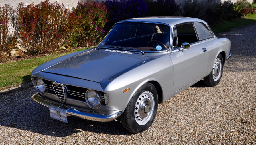 alfa romeo giulia sprint gt gtvintage. Black Bedroom Furniture Sets. Home Design Ideas