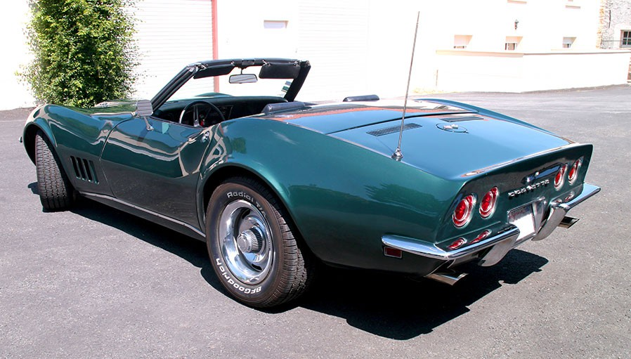 voiture de collection chevrolet corvette 1968 vendre. Black Bedroom Furniture Sets. Home Design Ideas